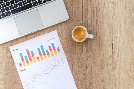 KPIs (Key Performance Indikatoren) sind ideal für eine schnelle und aussagekräftige Information wie dicht man an der Erreichung der Vertriebsziele ist